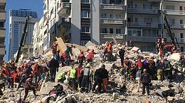 Суд в Турции арестовал семь человек, строивших здания в Измире