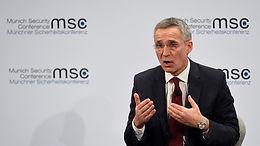 Генсек НАТО заявил, что Россия увеличивает военное присутствие в Крыму
