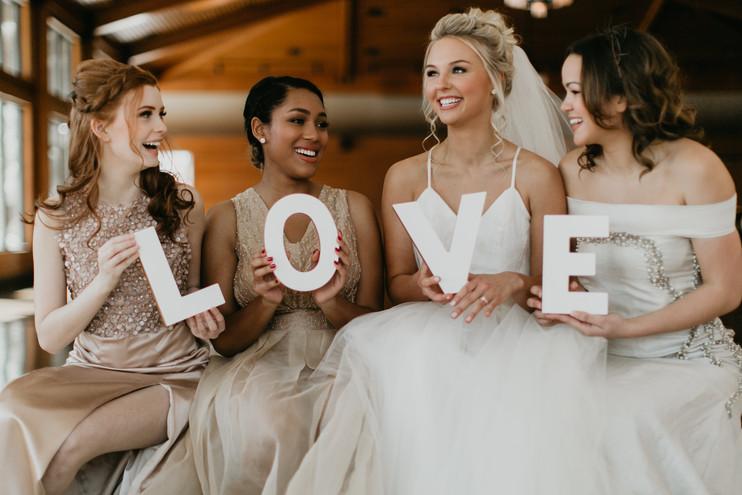 Photography: Tinge Photography Models: Sadie Isaacs, Dunia Francois, Paige Bieker, Mary Reed