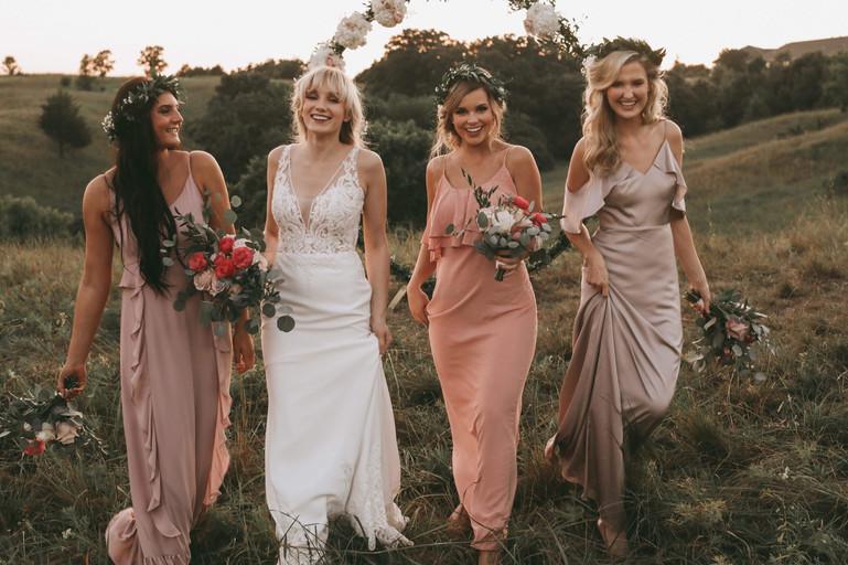 Photography: Natasha Furduy Photography Set Up: Nalias Events Florals: Nalias Florals Gowns: Bella Bridesmaids Hair: Sarah Jane Salon Makeup: Jillian Maria Makeup