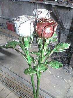 железный букет роз