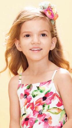 Penelope Powers Headshot 1.jpg