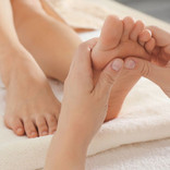 3286861-a-massagem-nos-pes-tambem-conhec
