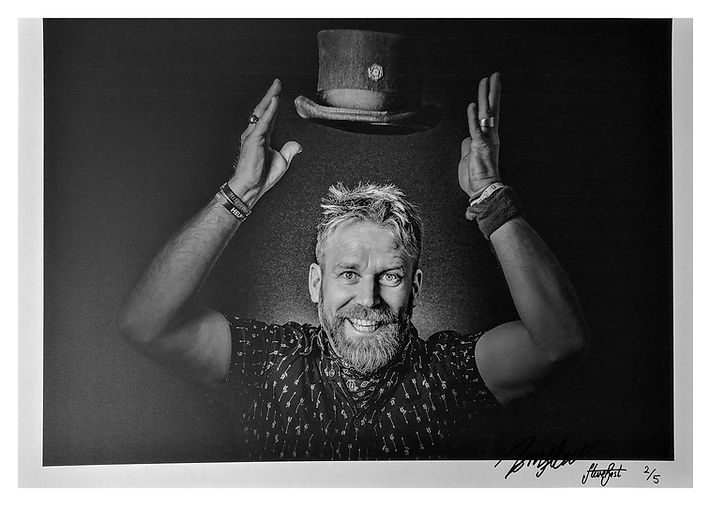 Tony Law SIGN