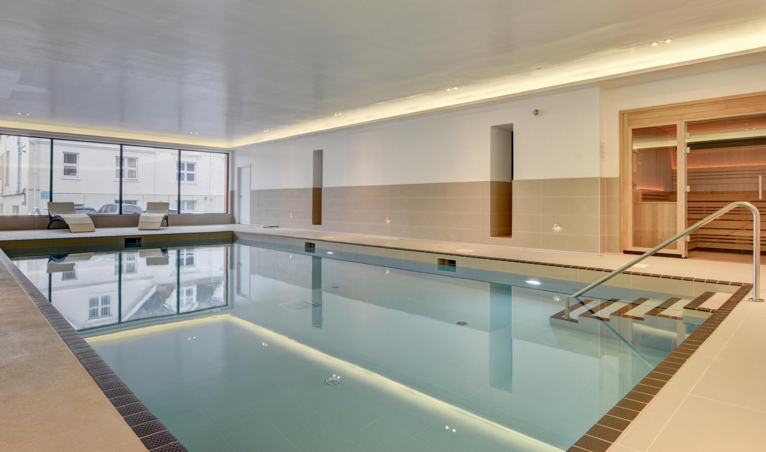 BYRON - Swimming Pool