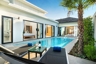 luxury Swimming pool in luxury pool vill