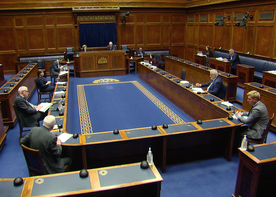 Stewart Asks Question to Economy Minister on Redundancy Rights