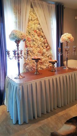 Jupes de table ivoire.