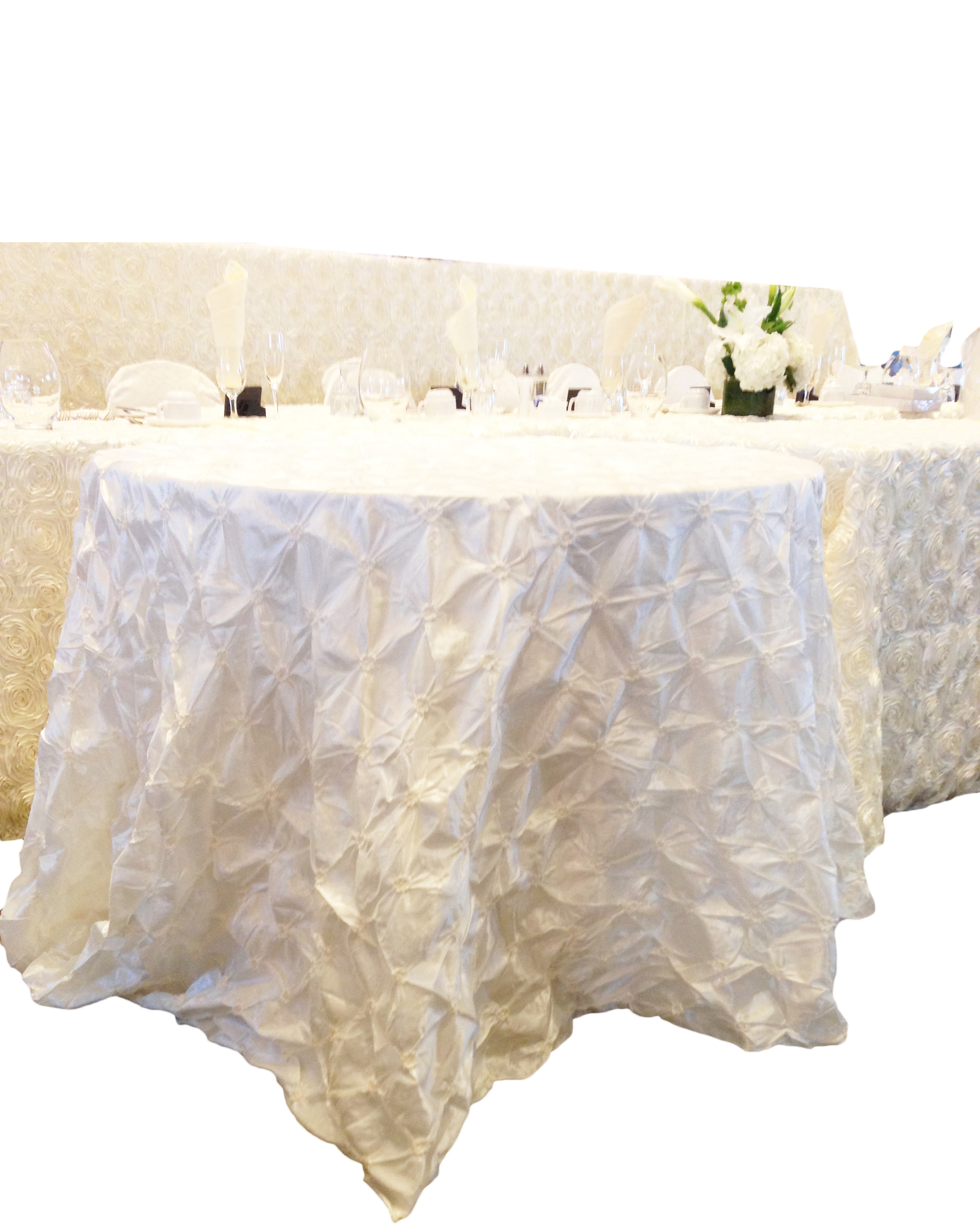 Ivory Pinched Tablecloth