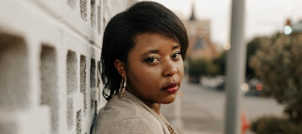 Kat Lewis author headshot