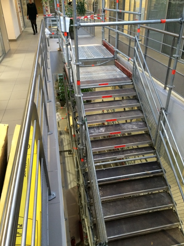 Escalier de chantier - Teisseire Crolles.jpg