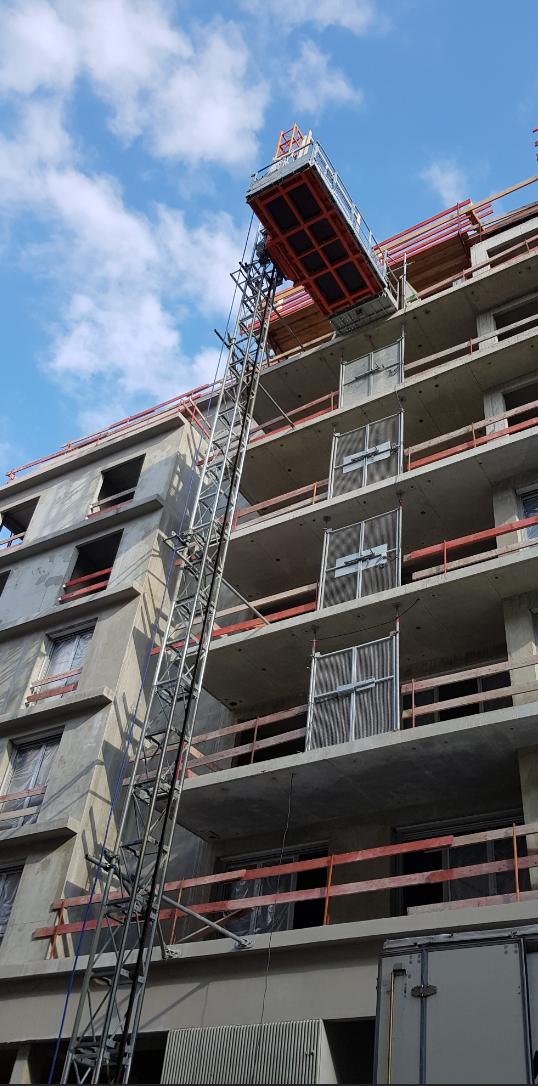 RAE_LIFT_Location_lift_de_chantier_-_Monte_matériaux_et_Ascenseurs_de_chantier.png