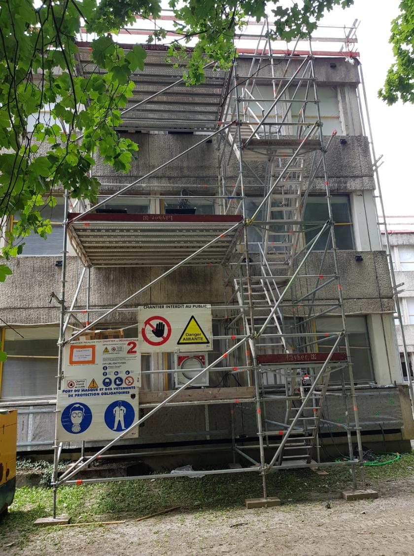 Location_et_montage_escalier_+_tour_platelage_désamiantage.png