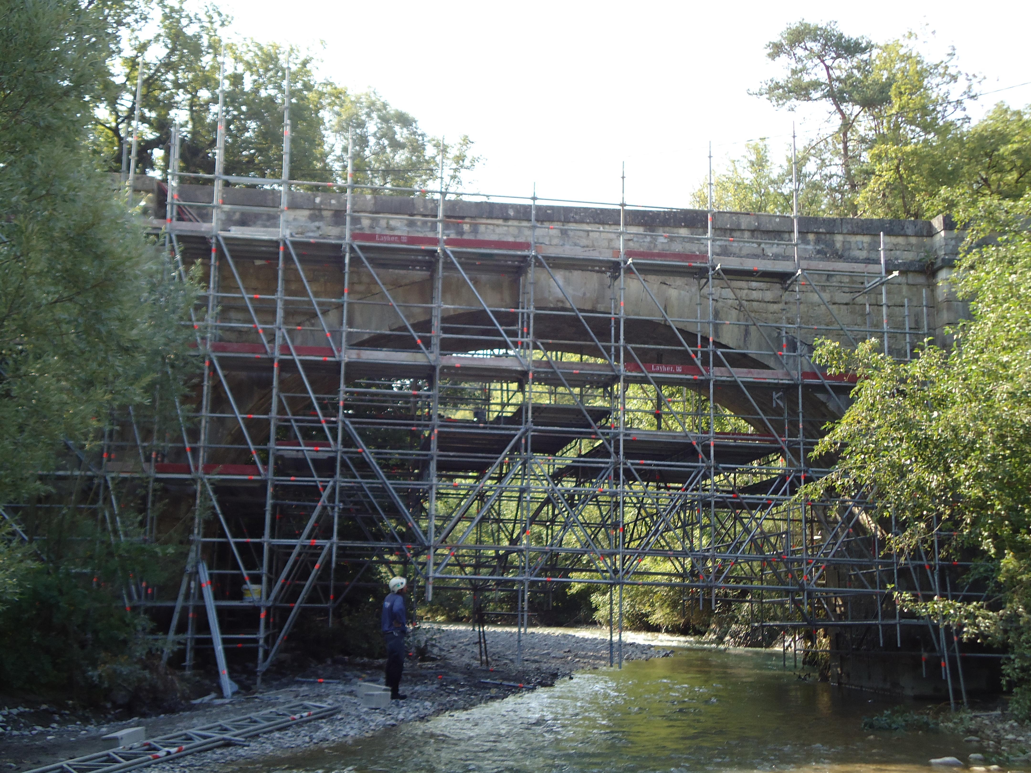 Pont sur l'Ebron (38)