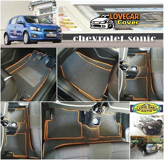 พรมดักฝุ่นรถยนต์ (พรมไวนิล) สีเทาขอบสีส้ม Chevrolet sonic