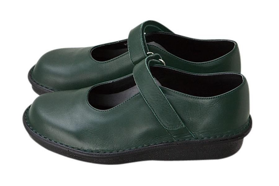 旅行に履いて行ける日本製の靴(1)