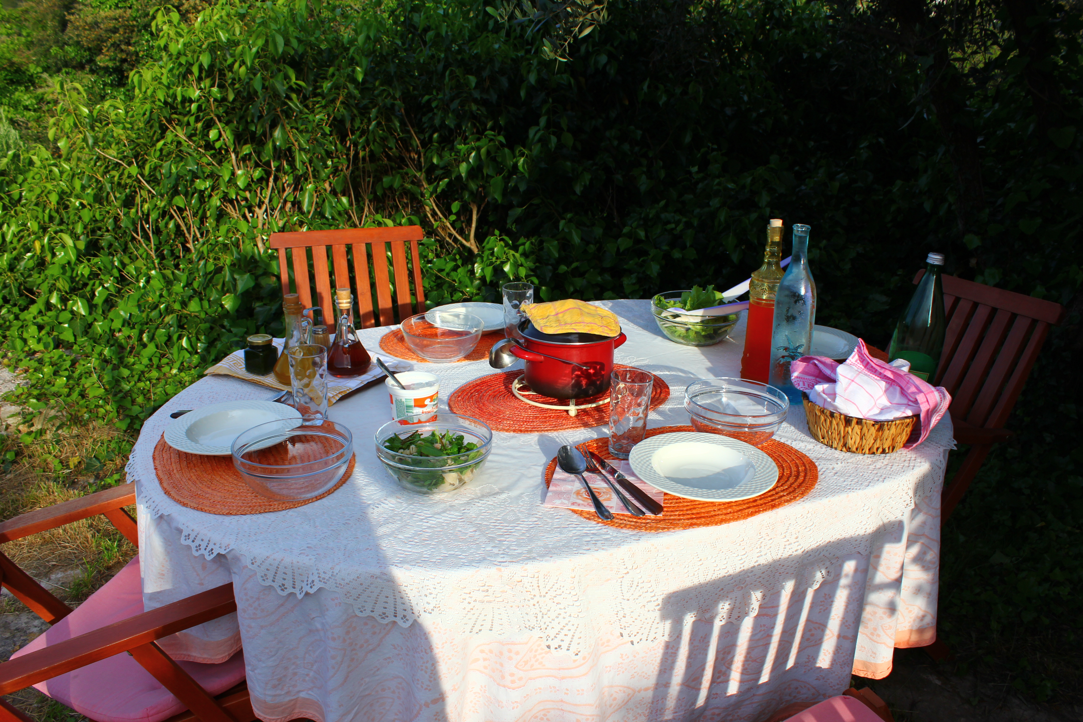 meals_simple & delightful table set