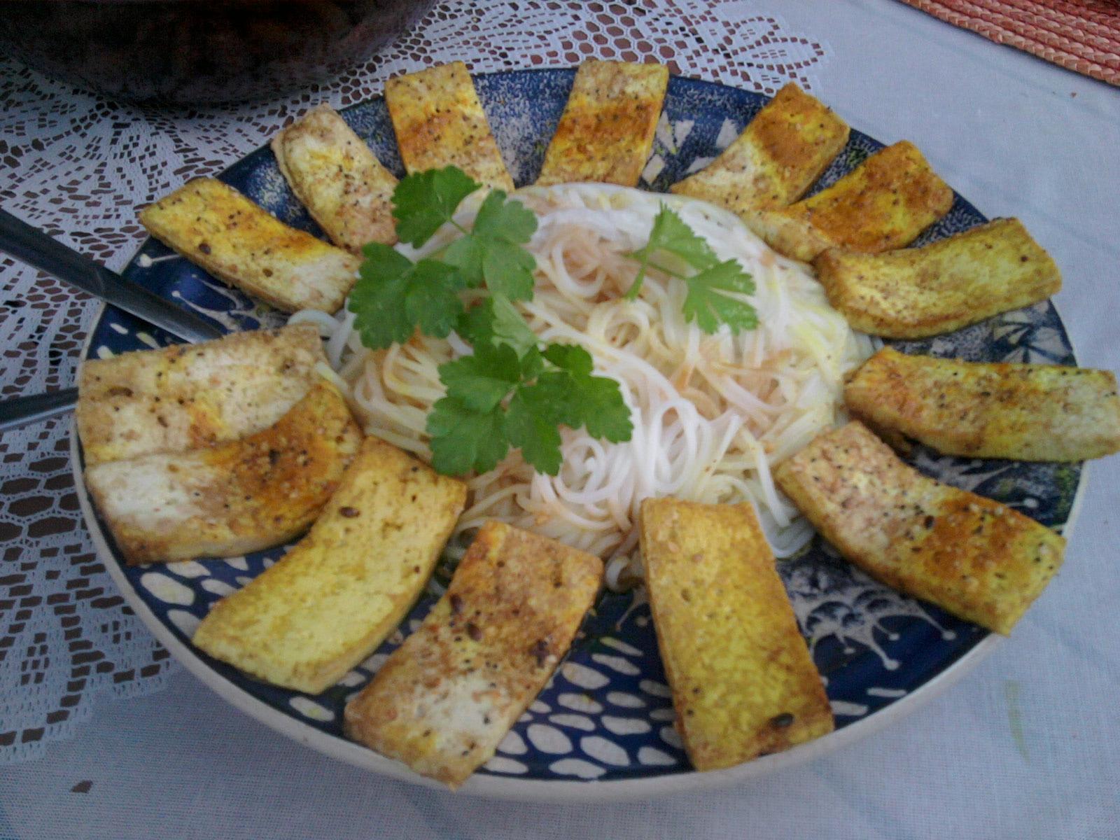 meals_gormet tofu rice noodles