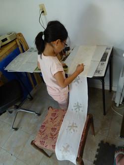 batik class- young student