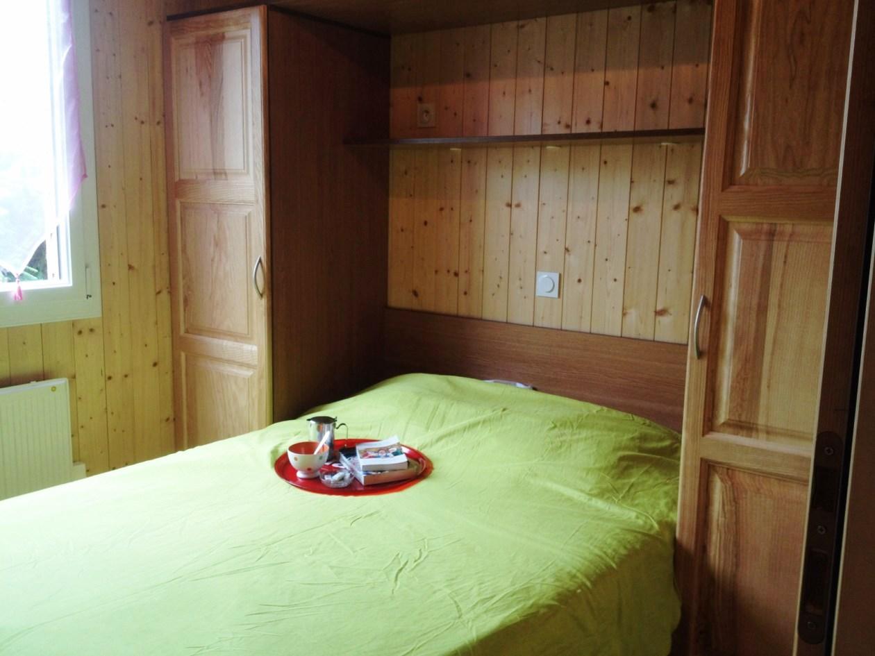 auvergne-chalet-camping-mont dore-chambre2