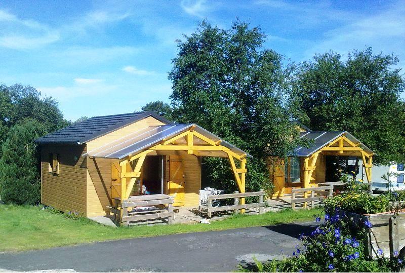 auvergne-chalet-camping-mont dore-emplacement2