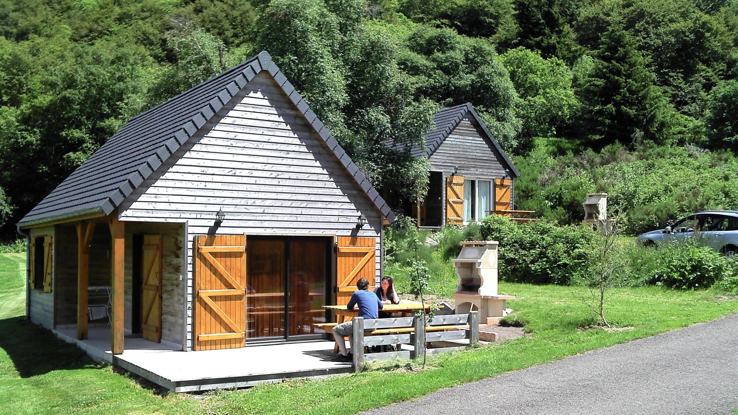 auvergne-chalet-camping_mont_dore-5_personnes_vue_extérieure3