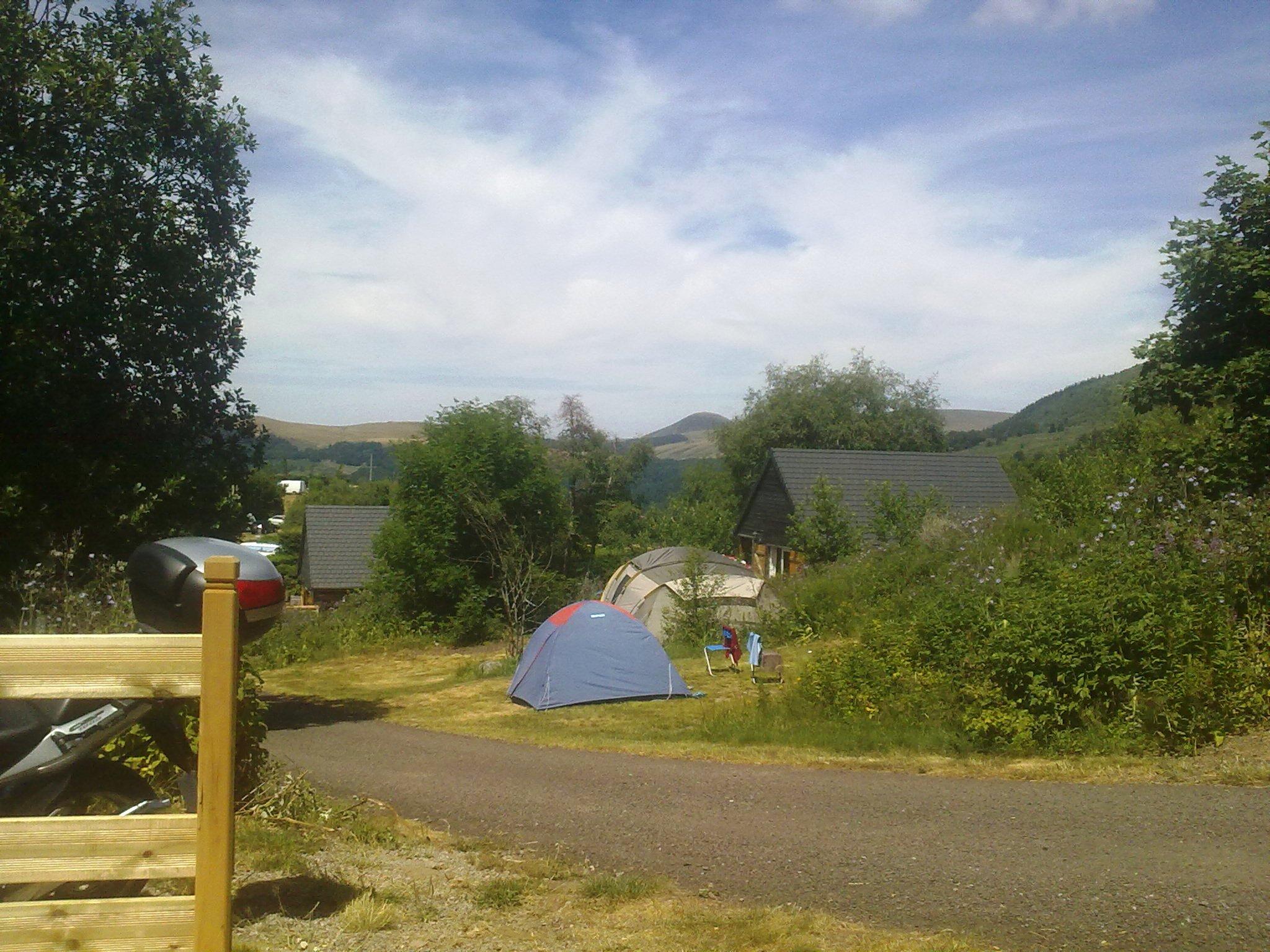 auvergne-camping mont dore-cabane 2