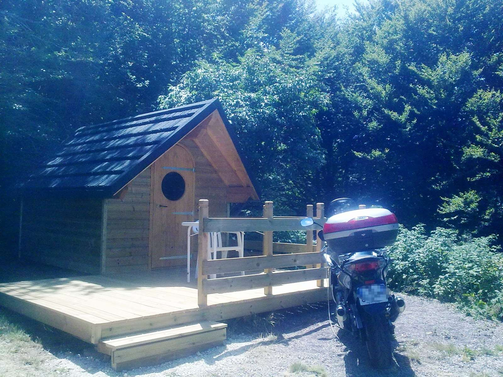 auvergne-camping mont dore-cabane 3