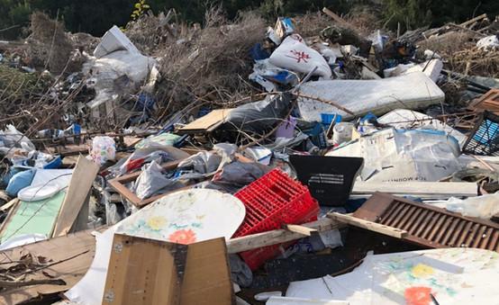 Αυτοσχέδια χωματερή στον Δήμο Κασσάνδρας