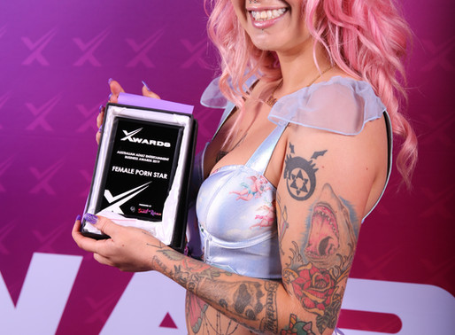 Angel Gore Wins Female Porn Star and Female Cam Star Award 2019