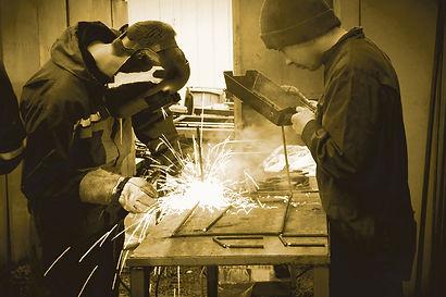 welder-2780654.jpg