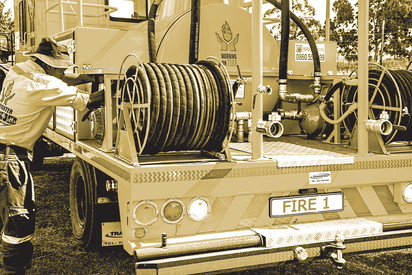 firefighter-807347.jpg