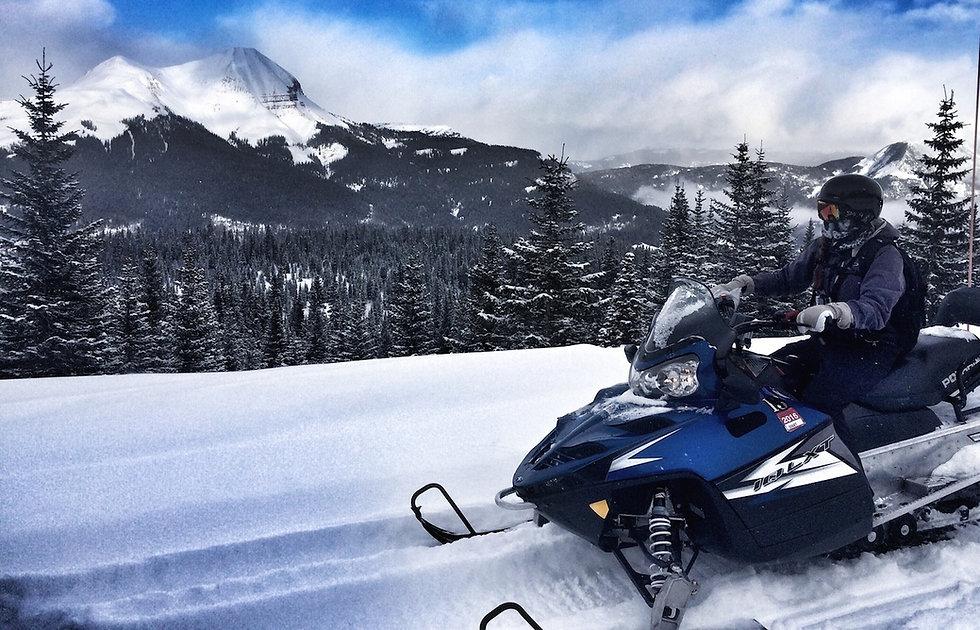 snowmobile-scenic.jpg