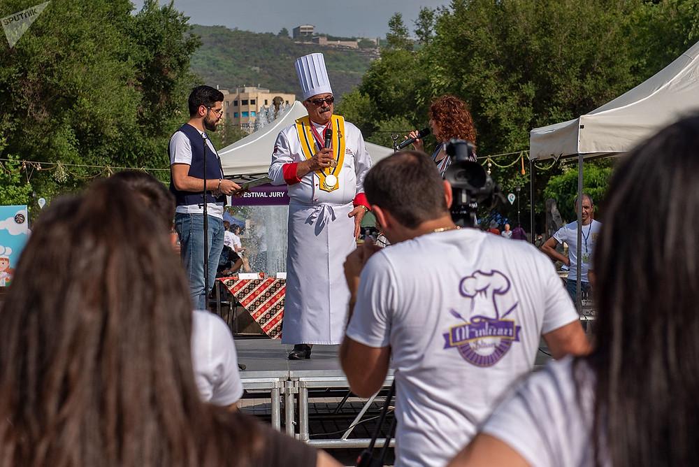 Огранизатор фестиваля еды Утест Фест Седрак Мамулян