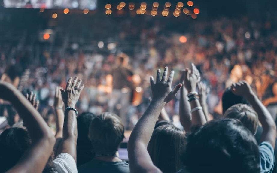 audience-blur-church-976866-2-1080x675.j