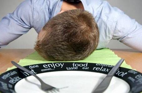 10 вещей, которые нельзя делать после еды
