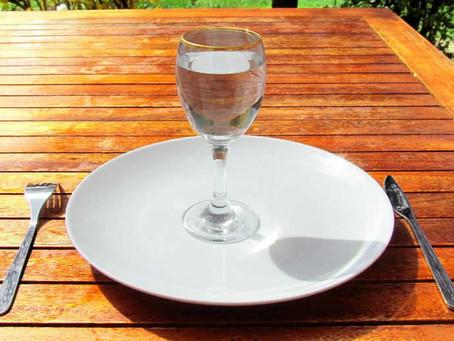 Эффект воды до, во время и после приёма пищи