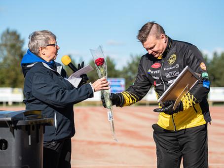 Vuoden tiedottaja -palkinto Joni Mäki-Petäjälle