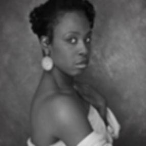 HeadShotPenelopeBlack_White_womaninLace.