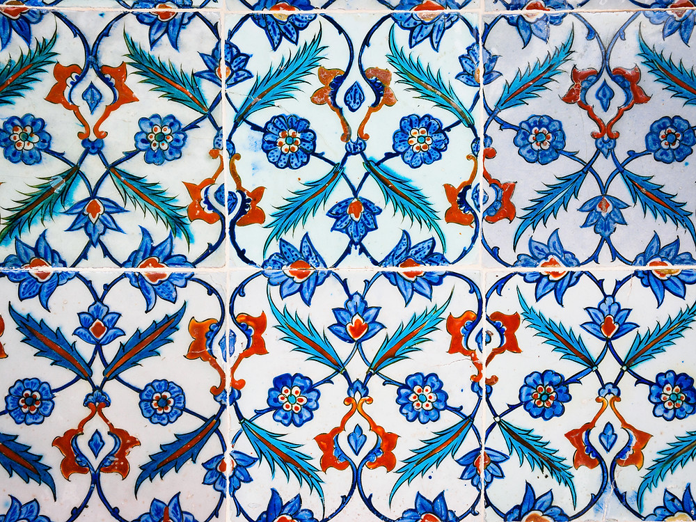 tiles with flower and leaf pattern