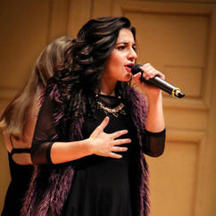 Ari sings 2.jpg