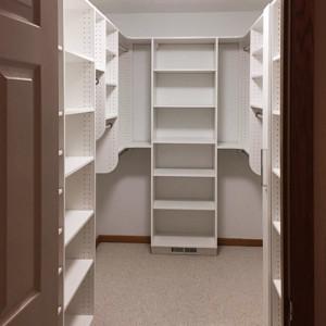 Gallery-Closet-6-300x300_c.jpg