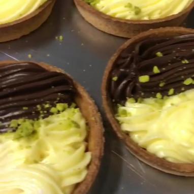 Crostata Crema Pasticciera & Crema al cioccolato.MOV