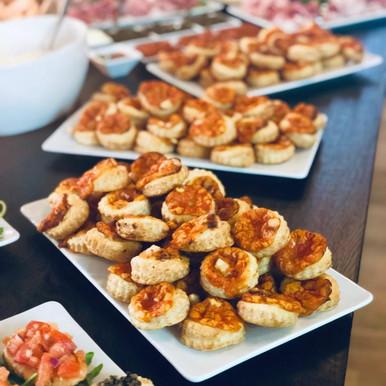 Apéro (Prosciutto, Pizzette, Bruschette, Formaggi, Salsa&Dip, cotto&crudo)1.jpeg