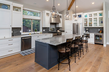 Sun Forest Construction Remodeled Kitchen in Sunriver, Oregon