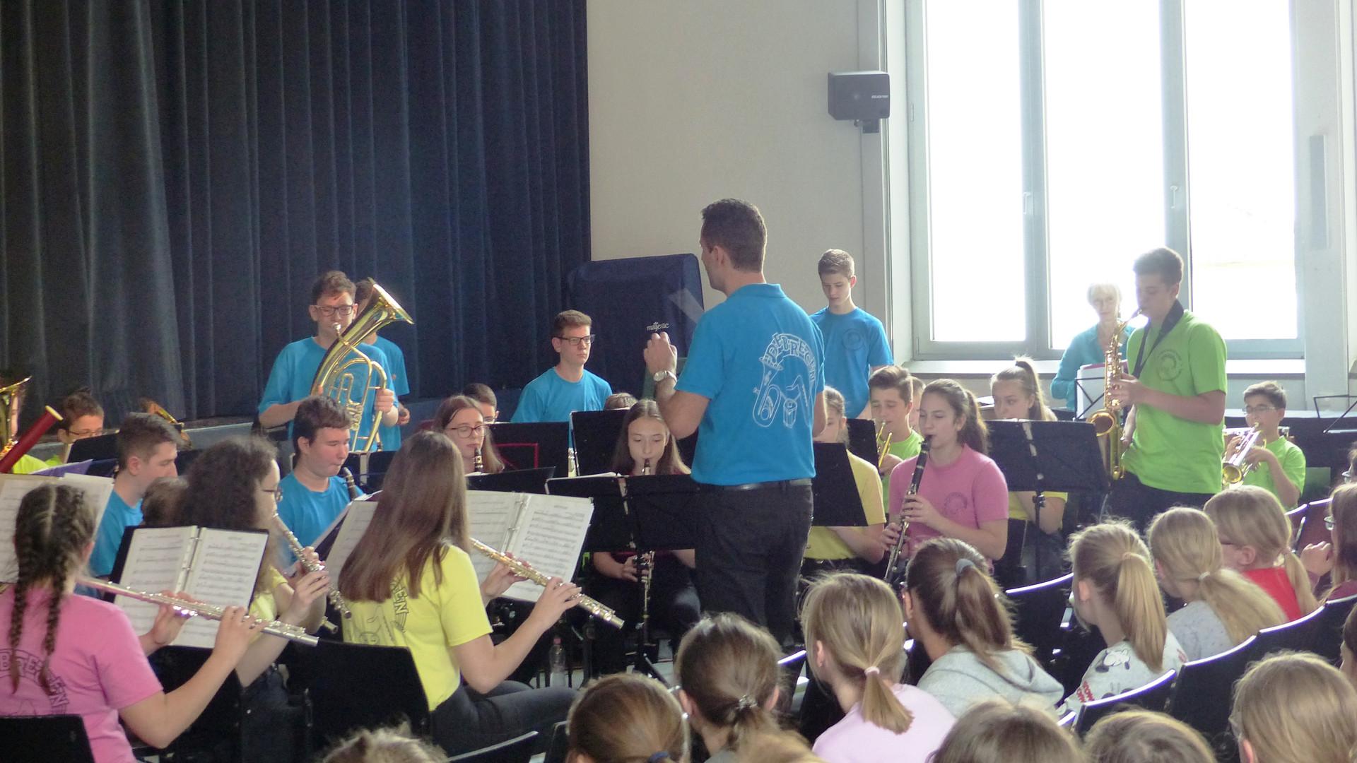 4. Das symphonische Blasorchester in Akt