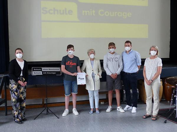 Schule ohne Rassismus - Urkundenübergabe.JPG
