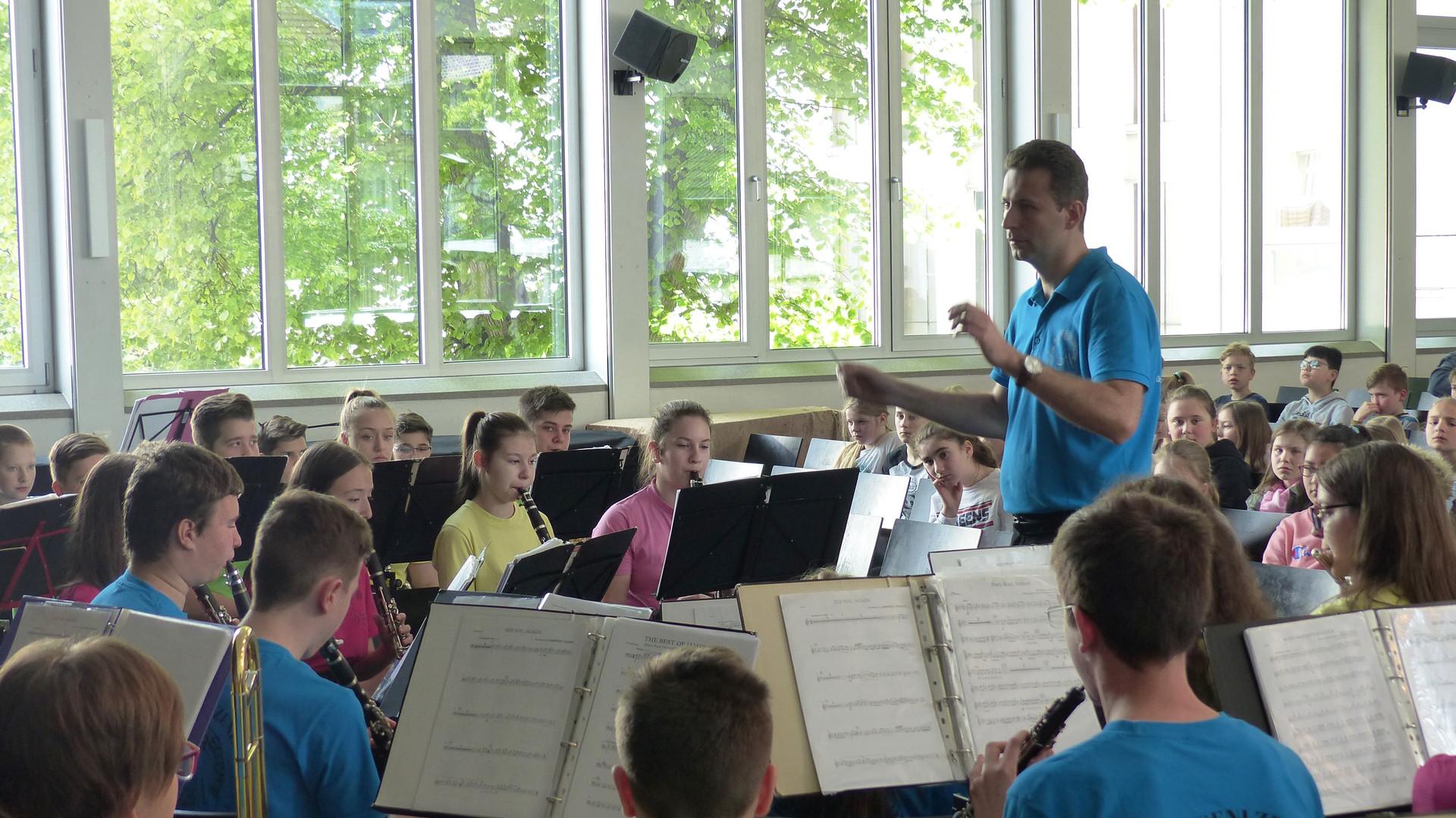 7. Das symphonische Blasorchester in Akt