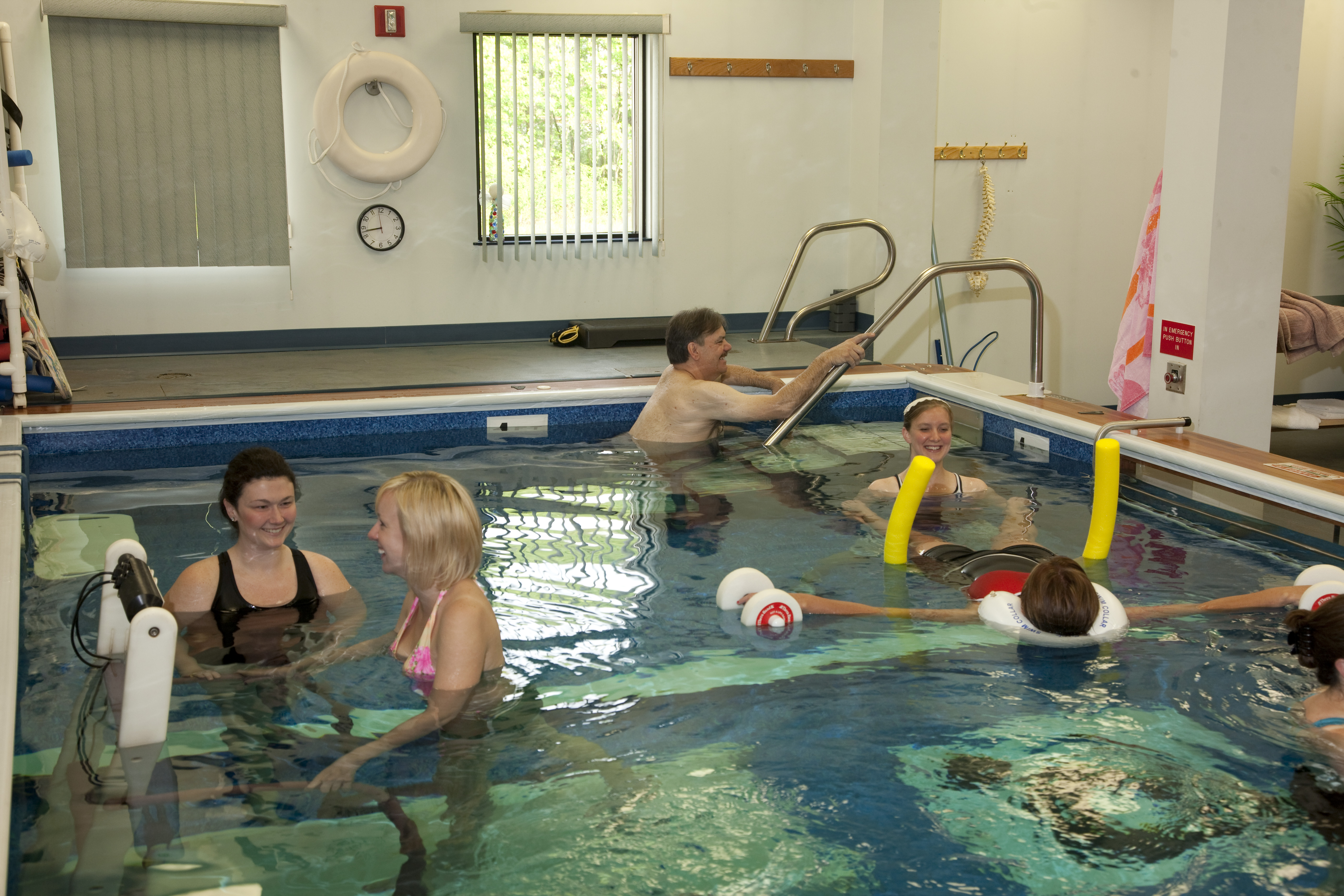 PPT-Aquatic-Therapy_07.jpg