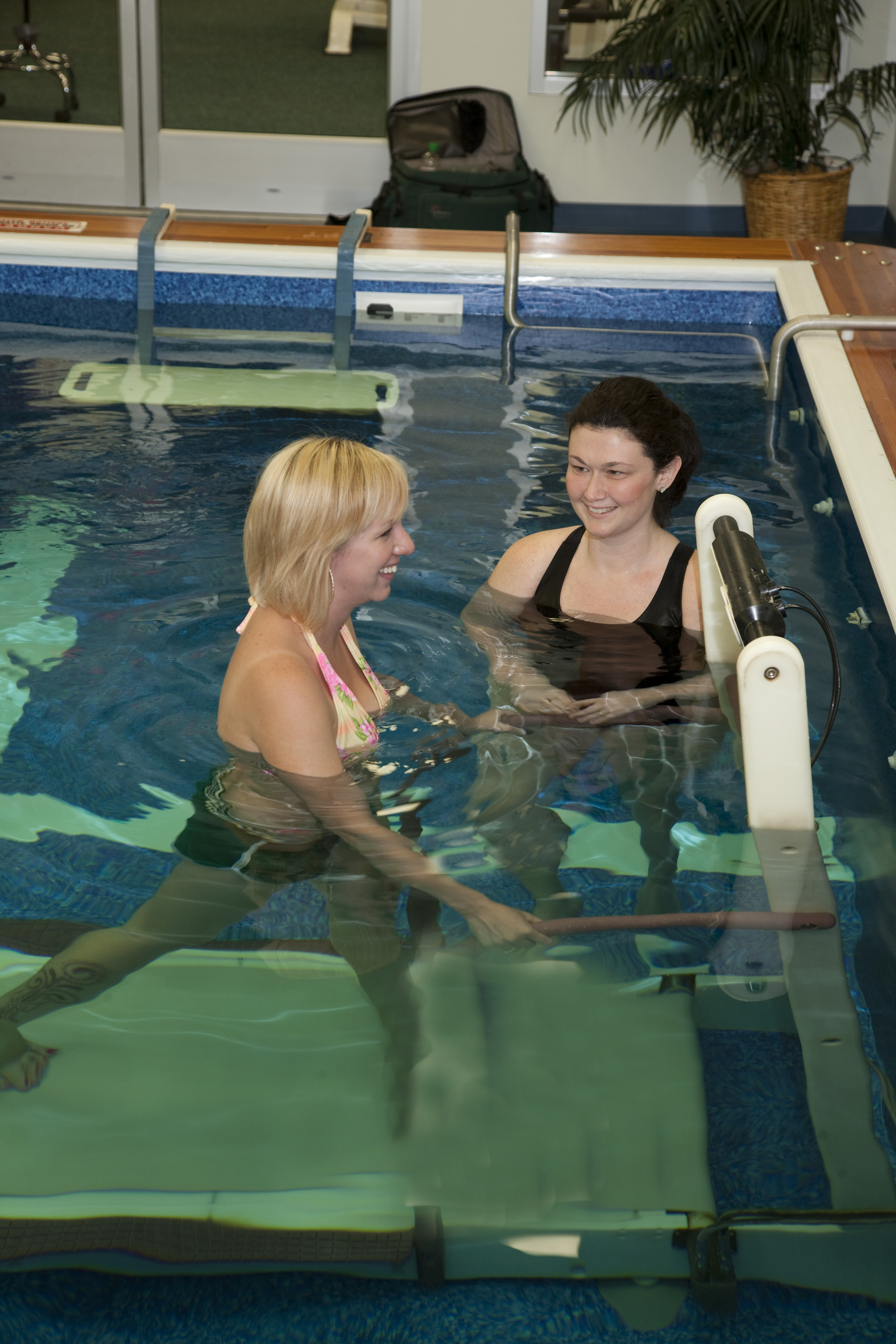 PPT-Aquatic-Therapy_03.jpg